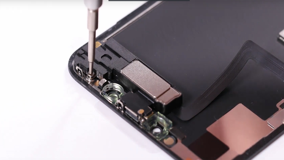 Замена голосового динамика на iPhone 11 Pro