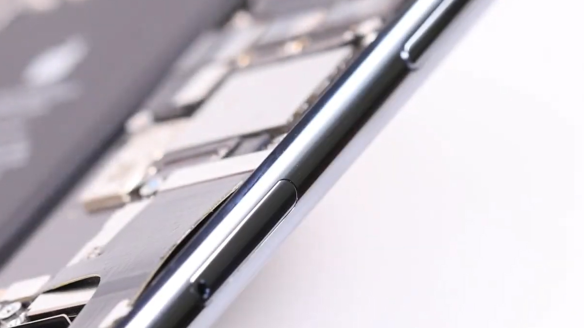 Замена кнопки громкости на iPhone 11 Pro
