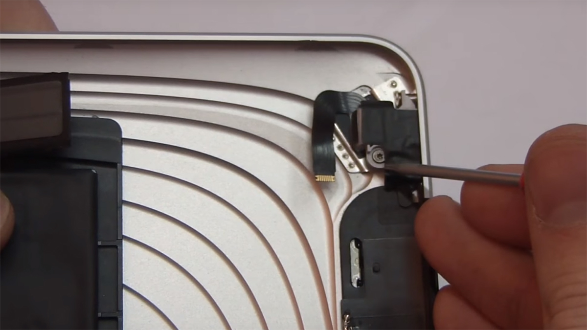 Замена разъёма наушников Ipad Air 1