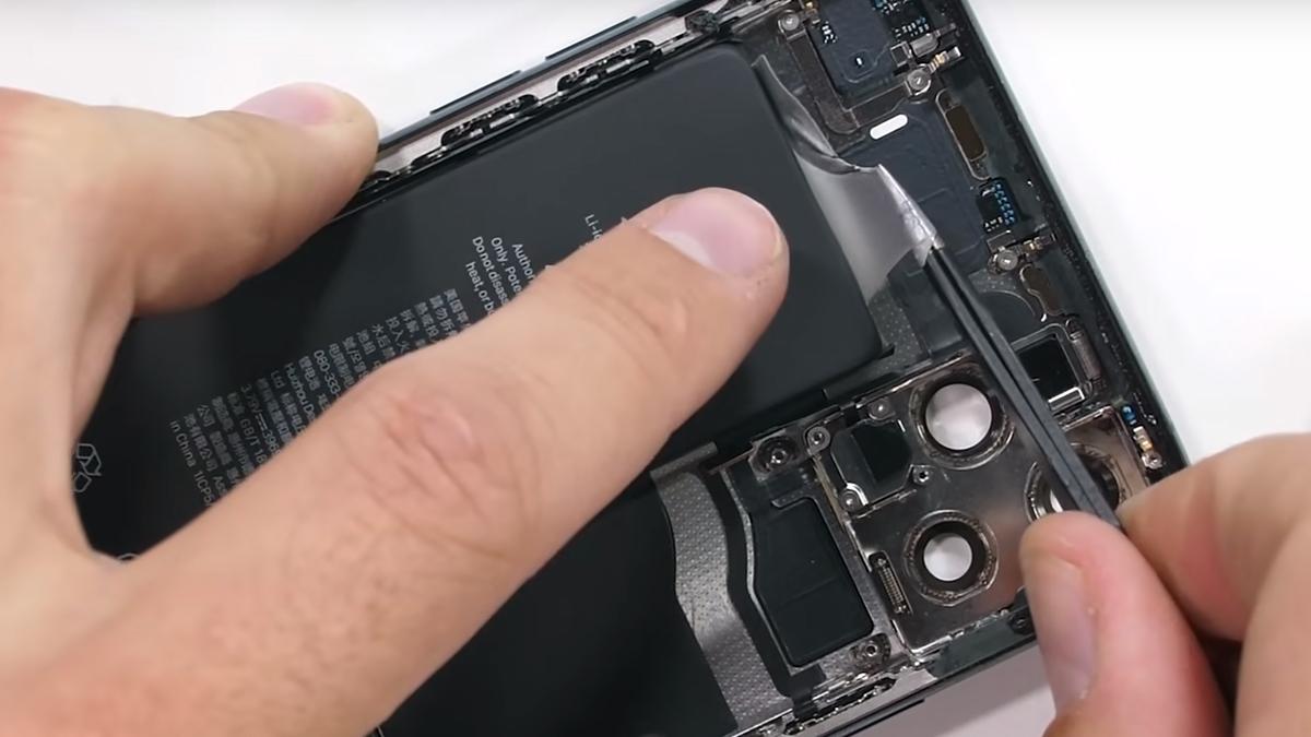 Замена аккумулятора на iPhone 11 Pro Max