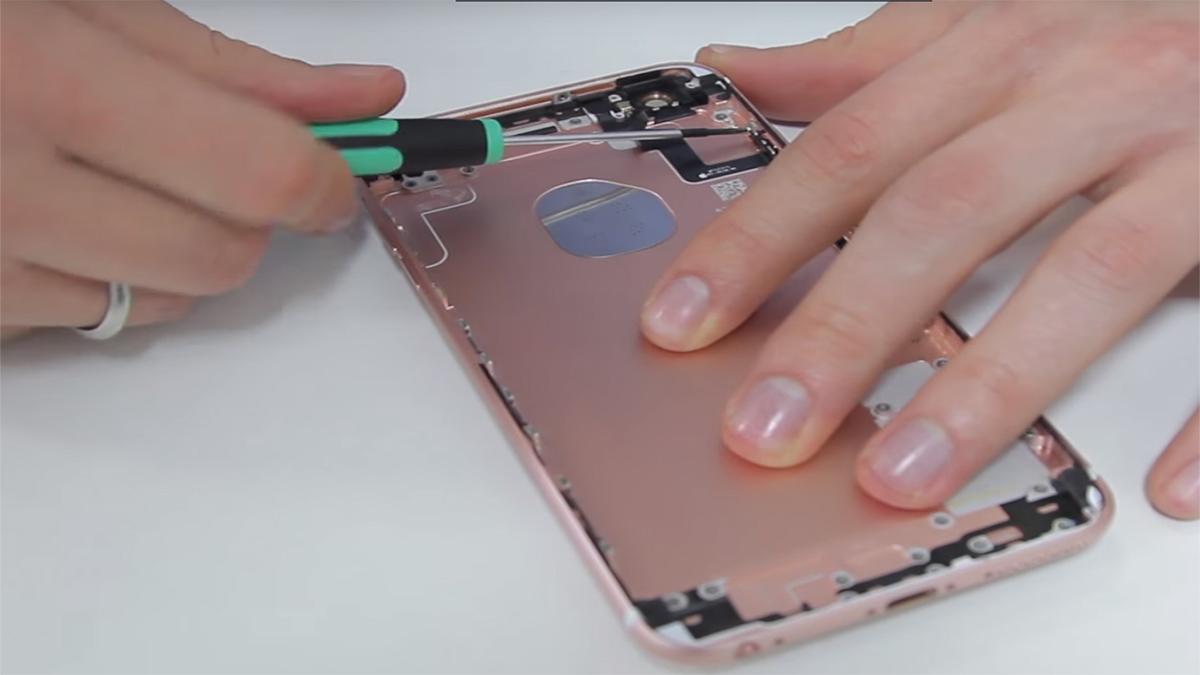 Замена кнопки громкости на iPhone 6S Plus