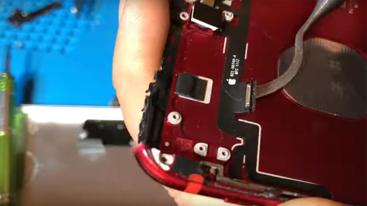 Замена шлейфа голосового динамика на iPhone 7 Plus