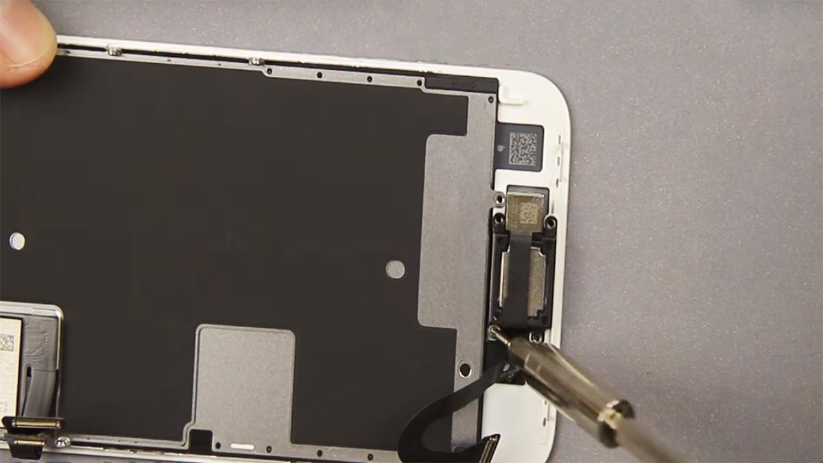 Замена полифонического динамика на iPhone 8
