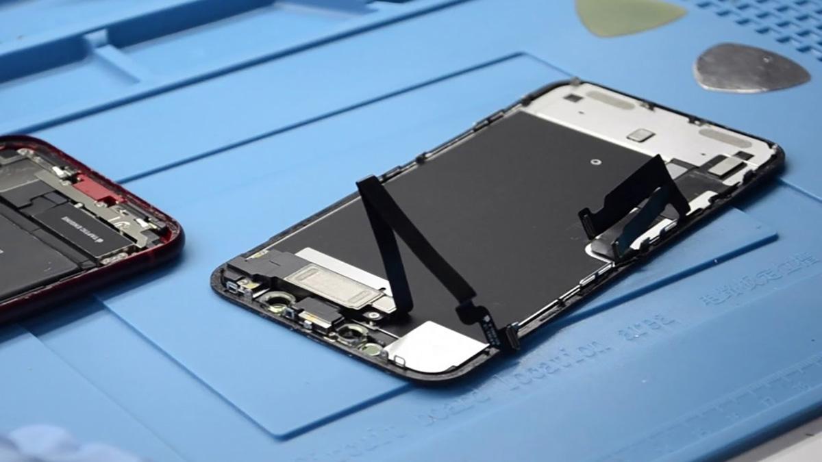 Замена дисплея на iPhone XR