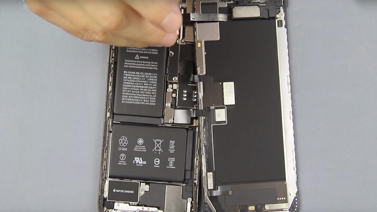 Замена дисплея на iPhone XS Max
