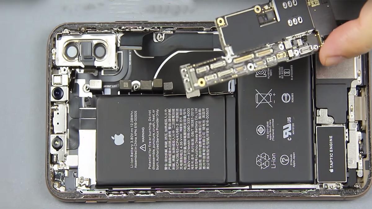 Замена полифонического динамика на iPhone XS Max