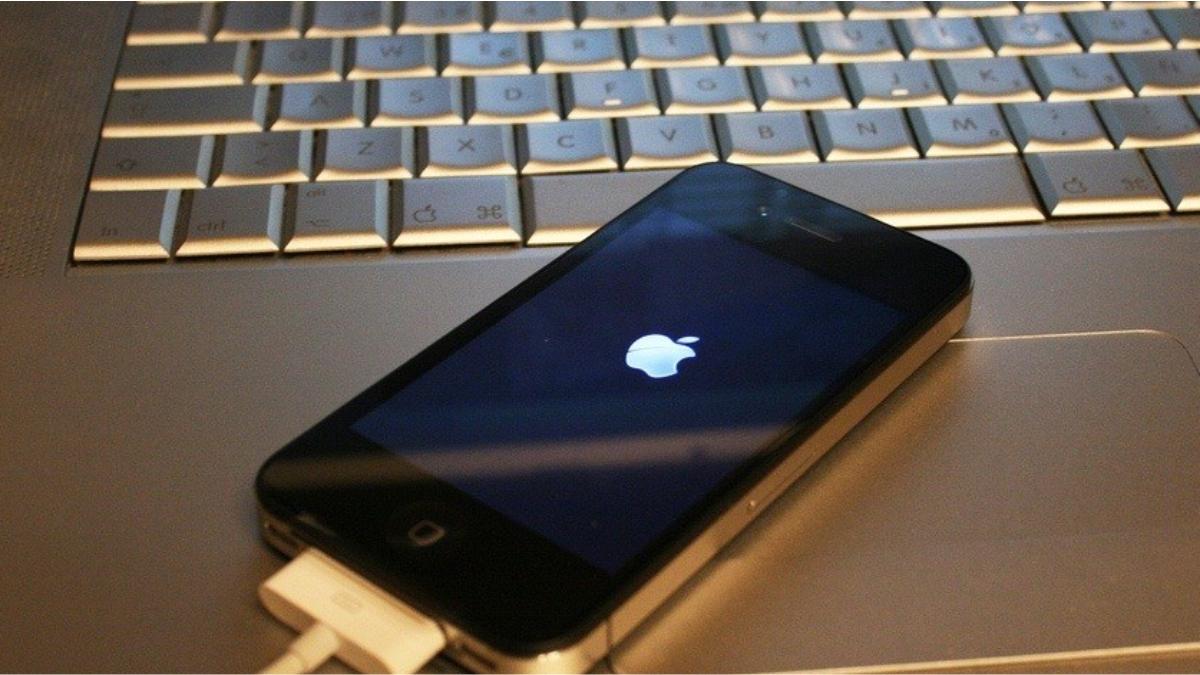 Программный ремонт на iPhone 4