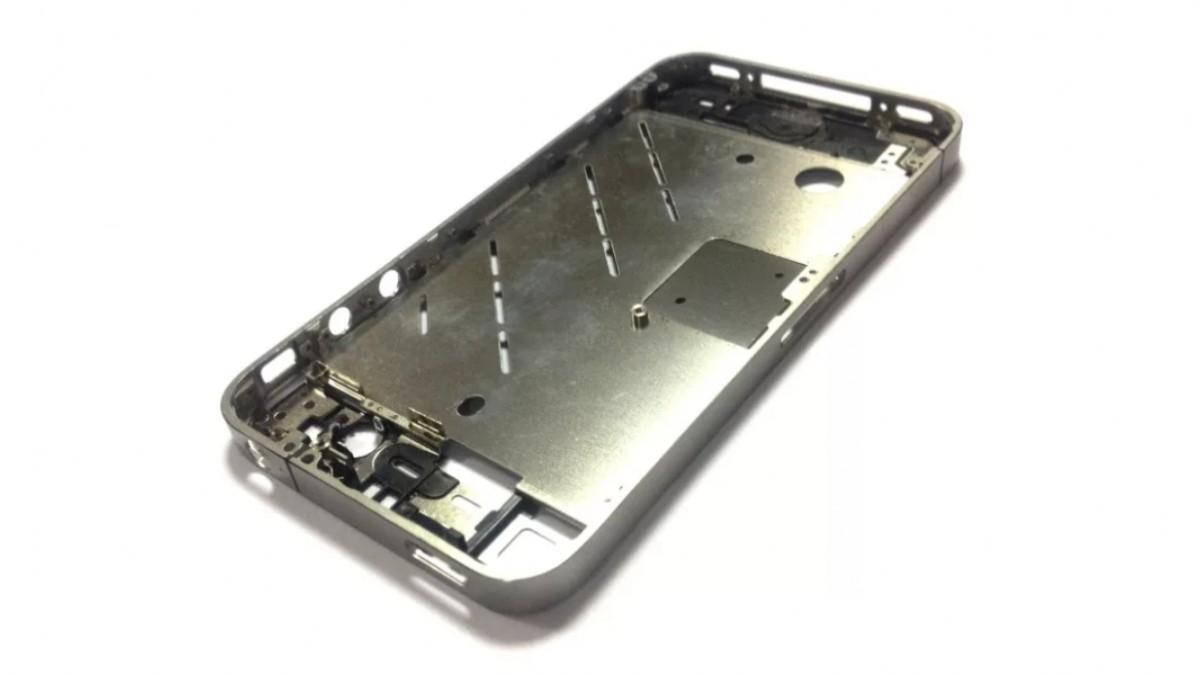 Замена корпуса на iPhone 4