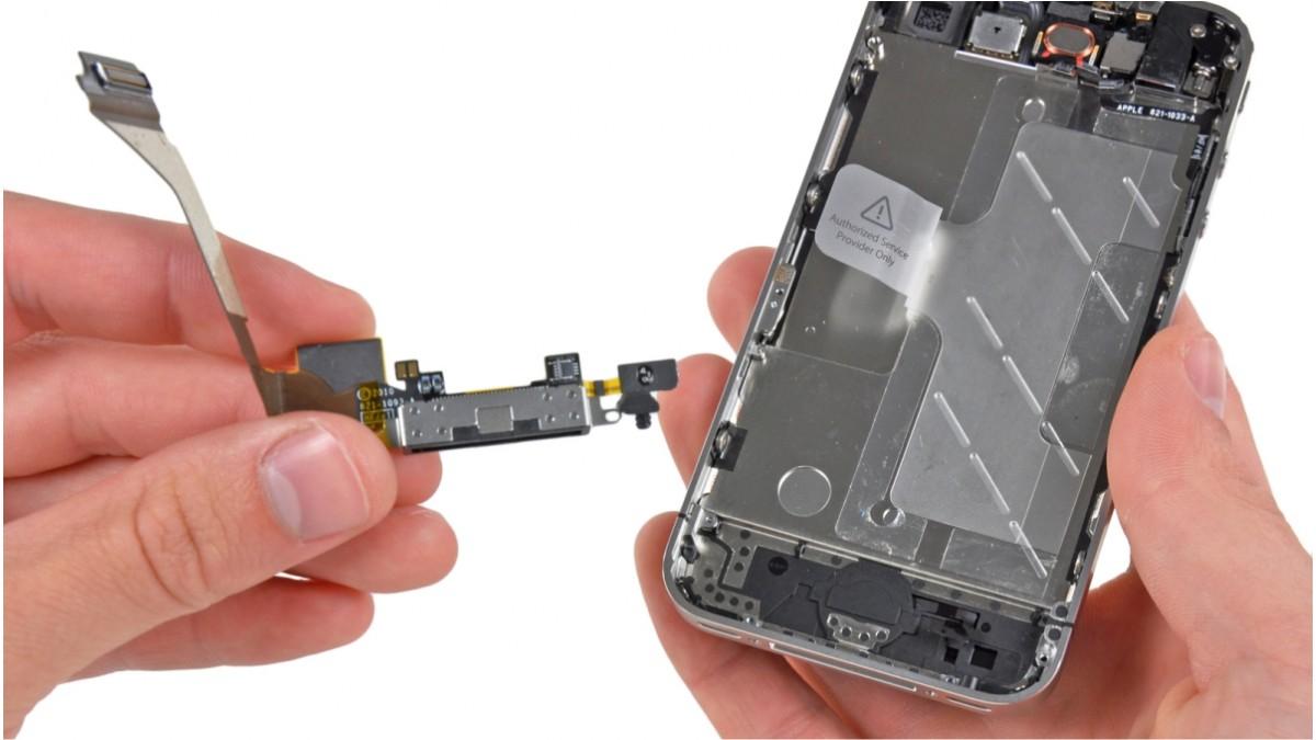 Замена голосового динамика на iPhone 4